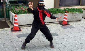 Tokyo Getaways #4 SAMURAI & NINJA Safari TOKYO Entertainment Bus